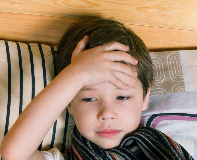Febbre alta bambini: ecco quando preoccuparsi davvero